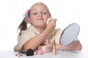 С какого возраста начитать пользоваться косметикой?