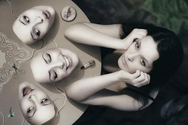 Женские маски или почему они притворяются