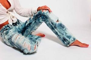 Старые джинсы опять в моде