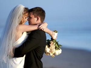 рано выйти замуж