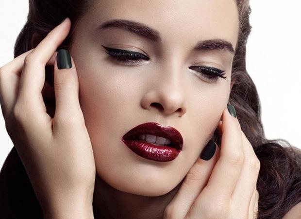 Бьюти-тренд: макияж с темной помадой