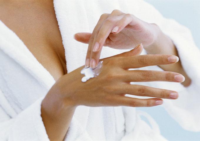 Простые средства по уходу за кожей рук