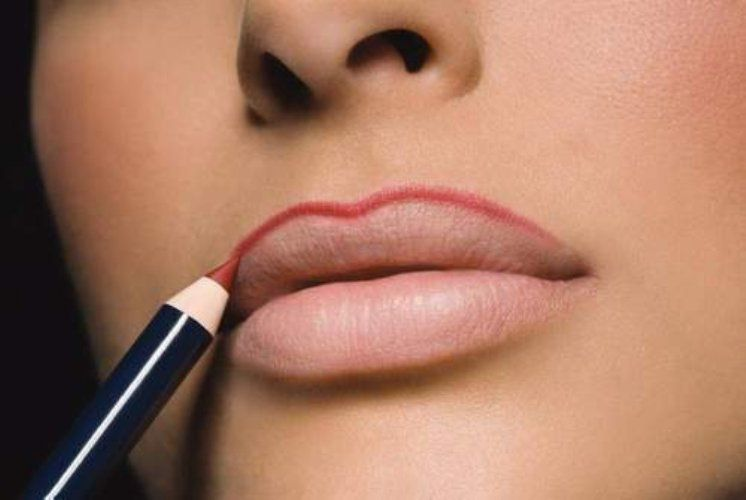 Выбираем карандаш для губ