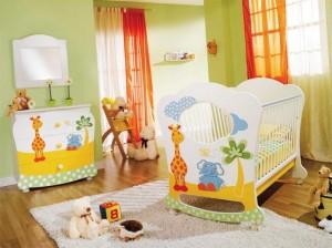 Как сделать здоровой и безопасной детскую комнату в квартире