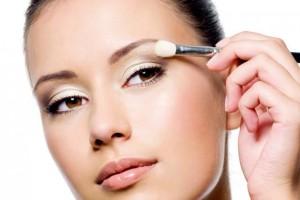Тенденции летнего макияжа от известных дизайнеров