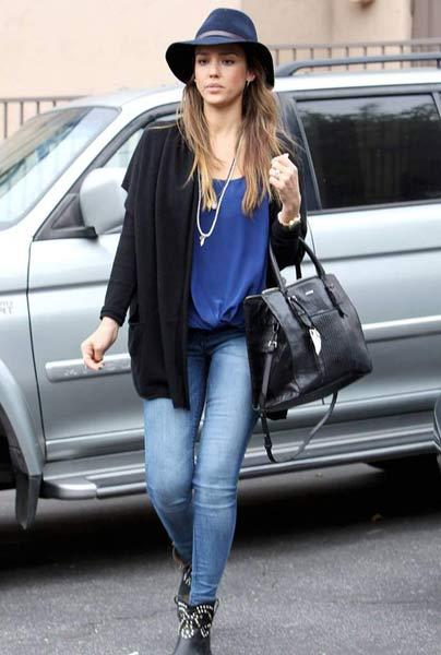 Джесика альба в джинсах